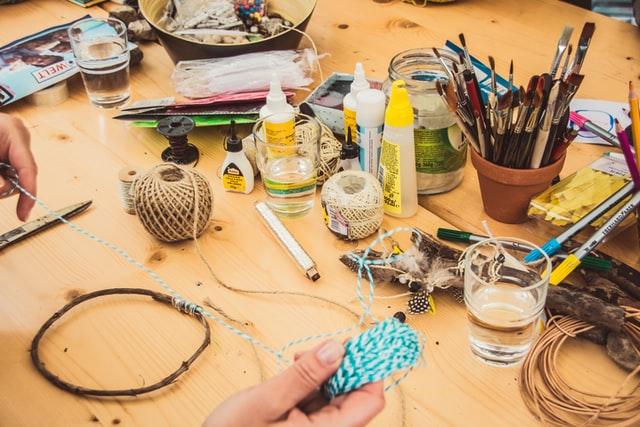 Het verkopen van zelfgemaakte spullen