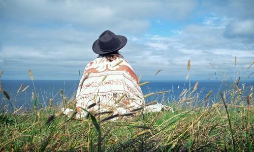 Ponchos, een kleding stuk met een rijke historie